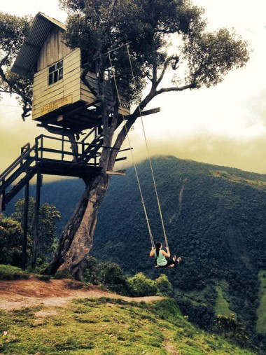 "Casa del Arbol (""Tree House"") in Ecuador"